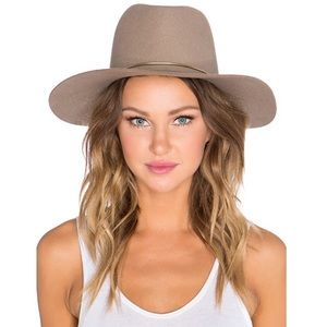 Janessa Leone Lassen Hat in Almond